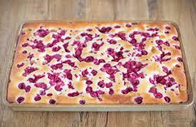 versunkener pfirsich himbeer kuchen backen im juli cookie