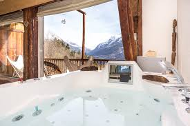chambre baignoire balneo chambres chalet spa des hameaux chambres d hôtes à la rosière