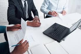 bureau conseil d administration conseil d administration la réunion d affaires dans le bureau