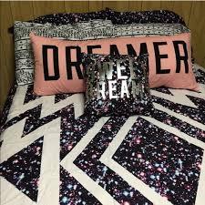 Victoria Secret Bedding Queen by 47 Off Victoria U0027s Secret Other Victoria Secret Bed Set From