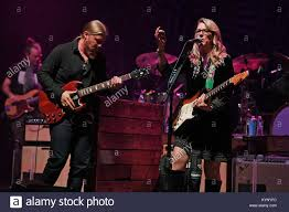 Derek Trucks Susan Tedeschi Tedeschi Stock Photos & Derek Trucks ... Derek Trucks And Susan Tedeschi Powerstation April 27 2011the Band Moves Beyond Grief In Grueling Year Boston Herald Wheels Of Soul Tour Coming To Tuesdays The Rember Their Roots Favorite Plays On At Spac News Saratogiancom If You Like Bonnie Raitt The New York Times Not Solo But Still Soful Brings Renowned Family United We Swing Youtube Stock Photos Full Talks Doyle Bramhall Ii