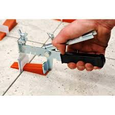 Floor Tile Leveling Spacers by Best 25 Tile Leveling System Ideas On Pinterest Grouting Tools