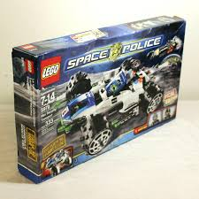 100 Lego Space Home Police Max Security Transport 5979 SEALED SEALED
