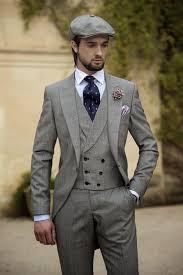 2015 Vintage Grey Mens Suits Peaked Lapel Wedding For Men Groom Tuxedos One Button Three Piece Suit Jacket Pants Vest Tie