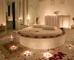 Rose Petals all around Bedroom round bed mirrors and candles set