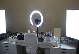 to get the right light for your makeup