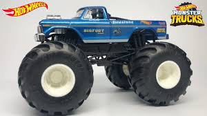 100 Bigfoot Monster Truck Toys HOT WHEELS BIGFOOT 4x4x4 MONSTER TRUCK REVIEW 124 SCALE YouTube