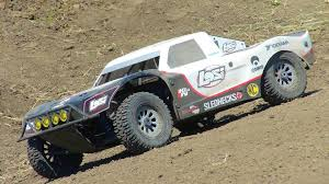 RC ADVENTURES - 17.2kg (38 Lbs!) Losi 5T 4x4 Gas 1/5th Scale Truck ...