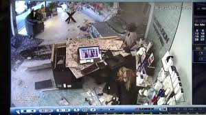 Front Desk Jobs Chicago by Video Shows Car Crashing Into Wilmette Salon Abc7chicago Com