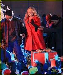 Rockefeller Christmas Tree Lighting Mariah Carey by Mariah Carey Christmas Tree Lighting With Snoopy Photo 2496985