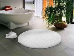 badezimmergarnituren welche mit ihrer schlichtheit