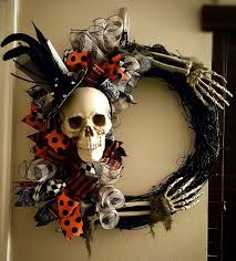 Diy Halloween Decorations Pinterest by Best 25 Halloween Wreaths Ideas On Pinterest Diy Halloween