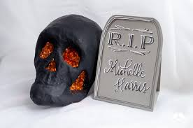 Halloween Tombstone Names by Diy Tutorial How To Make Halloween Tombstone Place Cards