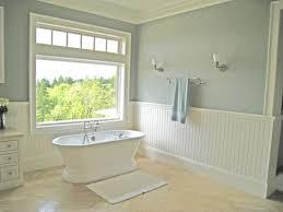 Country Beadboard Bathroom
