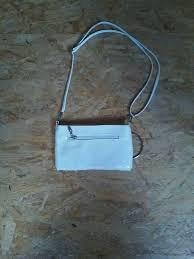 البحرية هذه طاعون kleine weiße handtasche