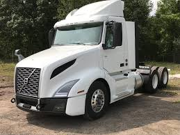 2019 VOLVO VNL64T300 TANDEM AXLE DAYCAB FOR SALE #289381