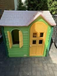 spielhaus mit kleiner küche innen