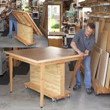 traditional workbench woodworking plan from wood magazine