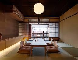 bei diesem gästehaus im japanischen wohnstil trifft