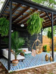 Best Outdoor Carpeting For Decks by 10 Beautiful Patios And Outdoor Spaces Outdoor Spaces Outdoor