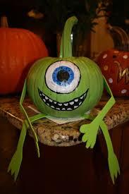 Monsters Inc Mike Wazowski Pumpkin Carving by 25 Parasta Ideaa Pinterestissä Mike Wazowski Pumpkin