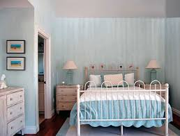 Strie Paint Effect Is Similar To Dragging And Involves The Use Of Two Colours One Which Mixed With Scumble Glaze Create A Tone Brushed