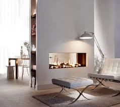 der weiße barcelona chair ist einfach ein unglaublich sch