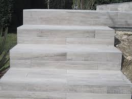 pose carrelage escalier quart tournant escalier en carrelage accueil idée design et inspiration
