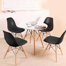 esstisch mit 4 stühlen schwarz esszimmer essgruppe runde 70x70x75cm lässiger tisch skandinavischer stil mdf