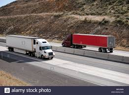 Reefer Trucks Stock Photos & Reefer Trucks Stock Images - Alamy Refrigerated Bodies Trivan Truck Body Reefer Truck Available For Rent Qatar Living Reefer Units Stock Tsalvage1602reefer009 Xbodies 2018 Hino 268a Sale 1015 Daf Multitemperature 21 Pallets Refrigerated Trucks For Sale China Small Carrier With 2012 Intertional 4000 Series 4300 5131 2045ft Dry Vans Trailers From China 2011 Isuzu Npr Hd 579097 Trucks Mitsubishifuso Fe180 590805