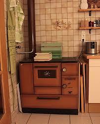 zweizeilige wohnküche mit holzherd fertig mit bildern