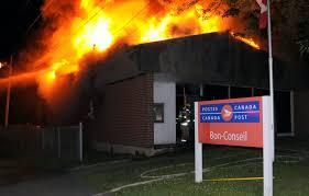 bureau des postes le bureau de poste de ndbc réduit en cendres vingt55