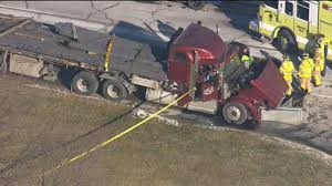 100 Ups Truck Accident Semi Truck Driver Killed In Crash When Pickup Driver Abruptly