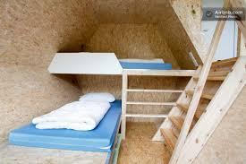 cabane dans la chambre d une cabane octogonale