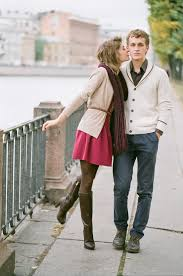Cold Weather Engagement Photos Your Outfit Guide Wedding Party Winter Photo Outfits