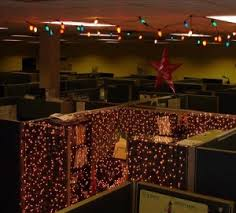 Cubicle Decoration Ideas For Christmas by Decorating Your Cubicle For The Holidays