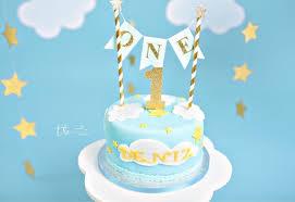 jungen 1 geburtstag kuchen topper baby boy ist ein blau und gold kuchen bunting topper nummer ein kuchen topper