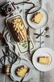 buttermilch kuchen mit rhabarber und streusel foodundco de