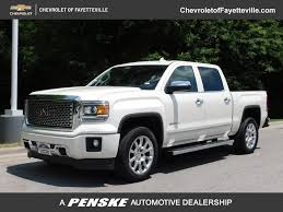 Pre-Owned 2015 GMC Sierra 1500 4WD Crew Cab 143.5