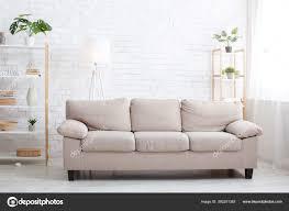 minimalistischer stil modernes wohnzimmer mit sofa