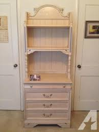 Lovely 3 Piece Light Wood Dresser Hutch And Door mode For In