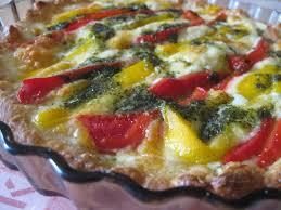 cuisiner les poivrons recette de tarte aux poivrons et à la mozzarella la recette facile