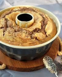 rezept gugelhupf mit marzipan und gehackten mandeln