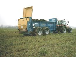 Manure Spreader - Wikipedia 164th Husky Pl490 Lagoon Manure Pump 1977 Kenworth W900 Manure Spreader Truck Item G7137 Sold Research Project Shows Calibration Is Key To Spreading For 10 Wheel Tractor Trailed Ftilizer Spreader Lime Truck Farm Supply Sales Jbs Products 1996 T800 Sale Sold At Auction Pichon Muck Master 1250 Spreaders Year Of Manufacture Liquid Spreaders Meyer Mount Manufacturing Cporation 1992 I9250