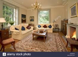 country style living room stockfotos und bilder