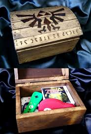 Zelda Triforce Lamp Uk by The 25 Best Legend Of Zelda Merchandise Ideas On Pinterest
