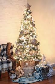 I Was Thrilled To Find So Many Beautiful Decorations In Store And Online Rustic Glam Christmas Tree Ideas