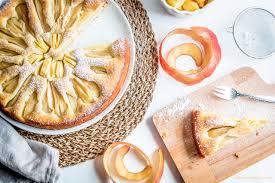 fettarmer apfelkuchen mit birnen cakeandcompass