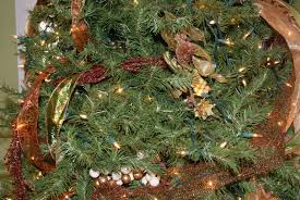 Types Of Christmas Trees In Oregon by It U0027s The Little Things How To Layer A Christmas Tree