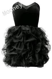 ملابس على الموضة.......... images?q=tbn:ANd9GcT
